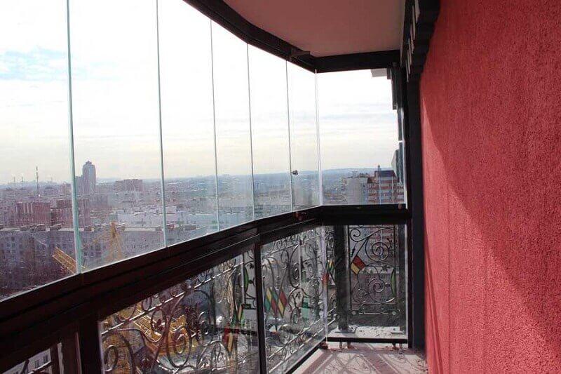 Балкон, безрамное остекление