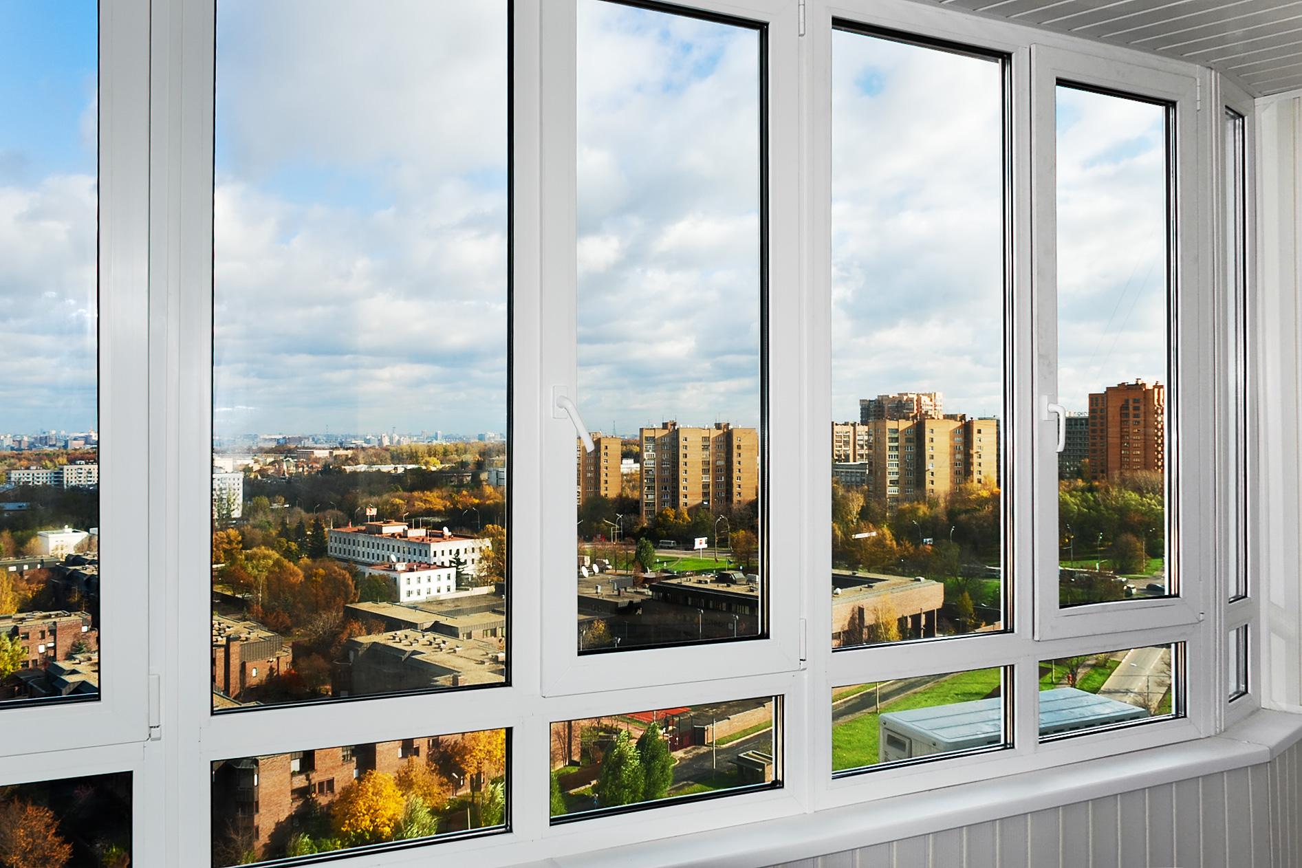 Остекление балконов пластиковыми окнами - выбор и ход работ.