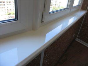 Подоконник на балконе - виды и порядок монтажа.