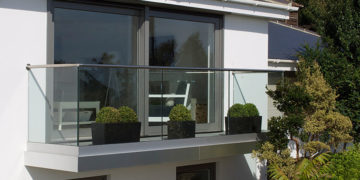 ограждение балкона из стекла