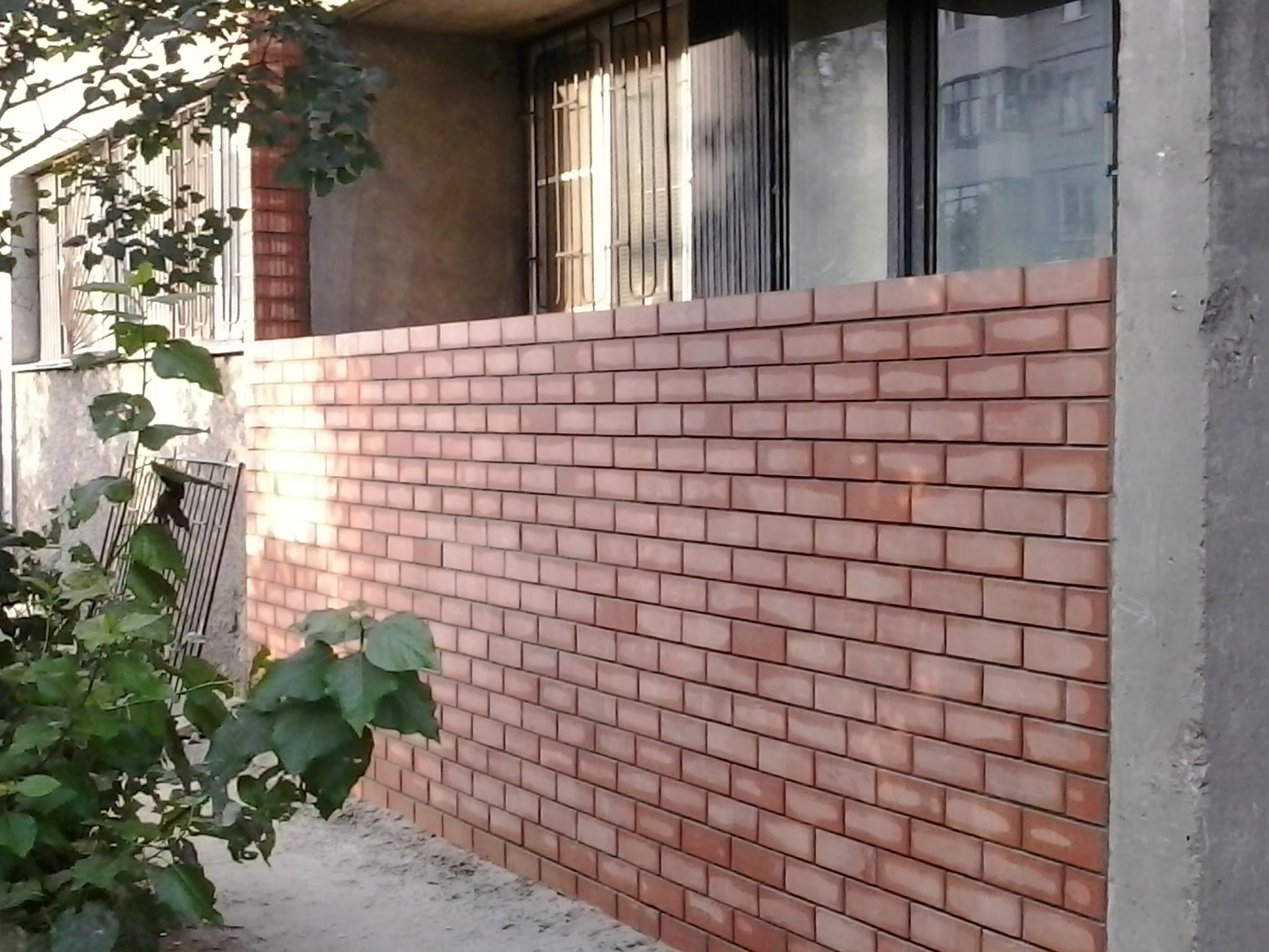 Кладка балкона из кирпича - порядок выполнения работ.