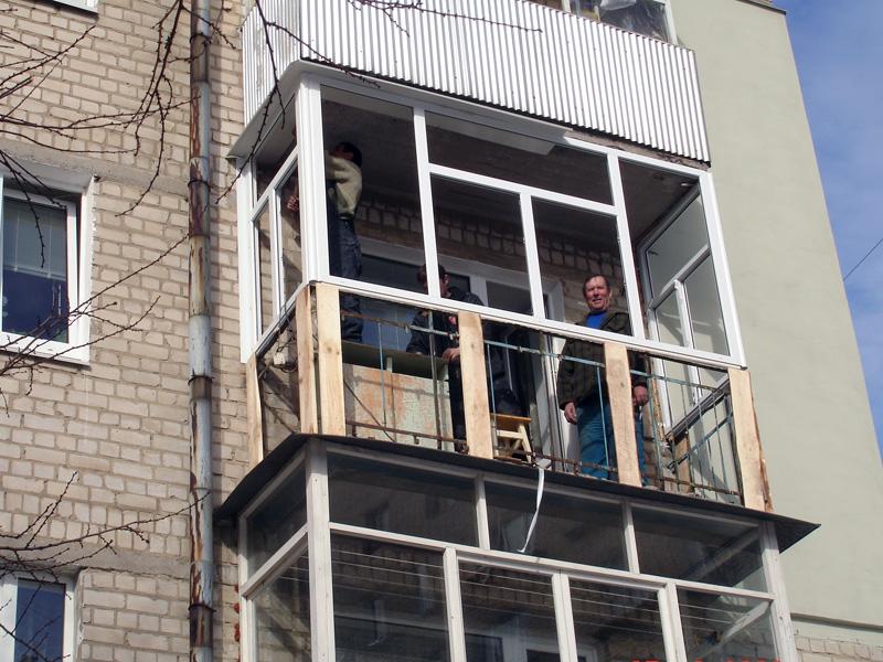 Обшивка балкона профлистом - этапы выполнения работ.