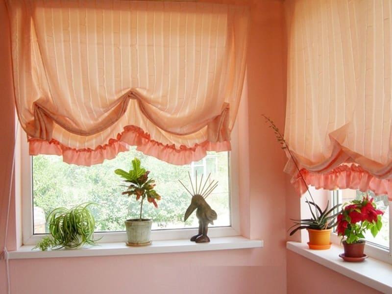 Шторы на балконное окно