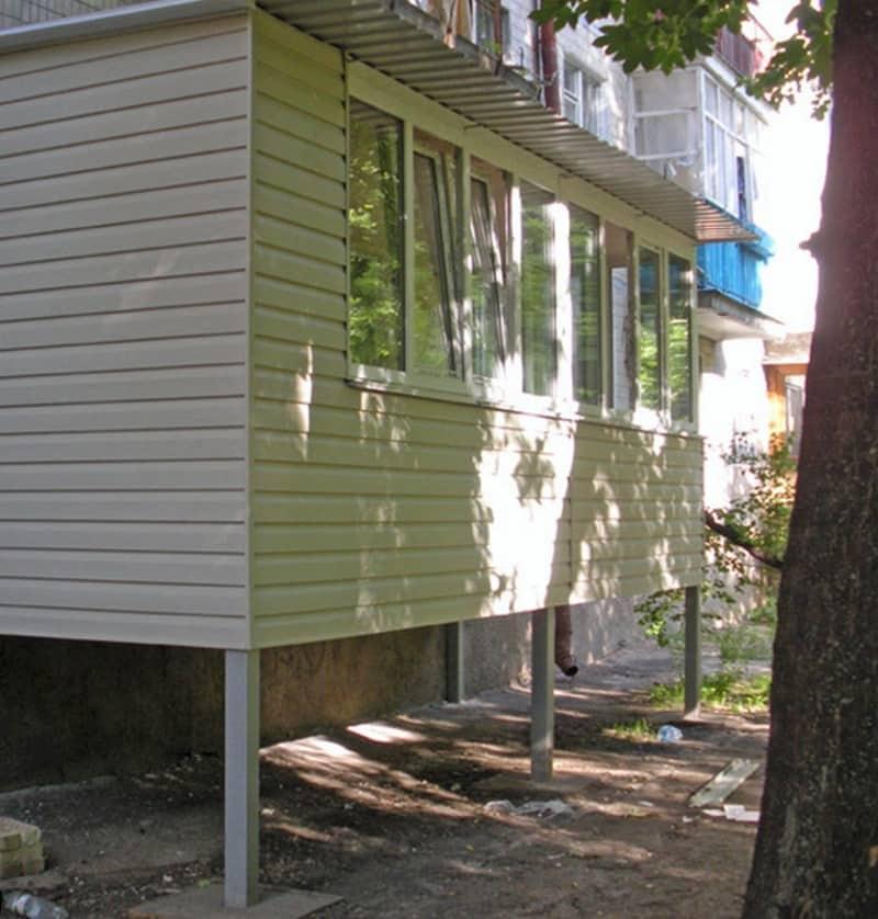 Пристроенный балкон
