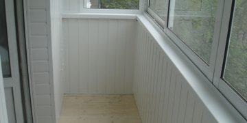 Облицовка балкона изнутри